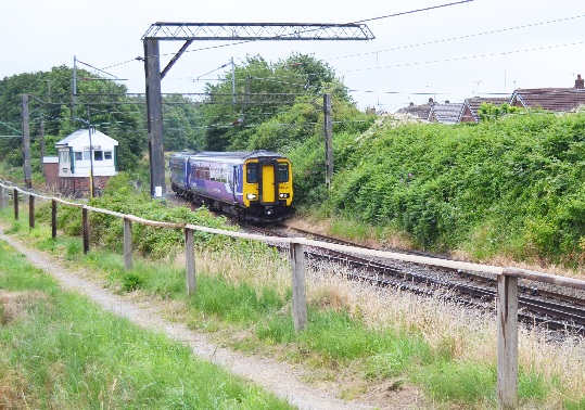 Class 156, 156429 at Halton Junction on 11th July 2015